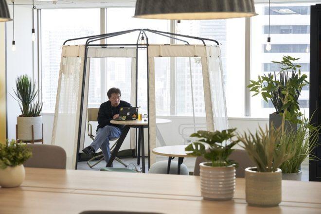 オフィスのテントスペース